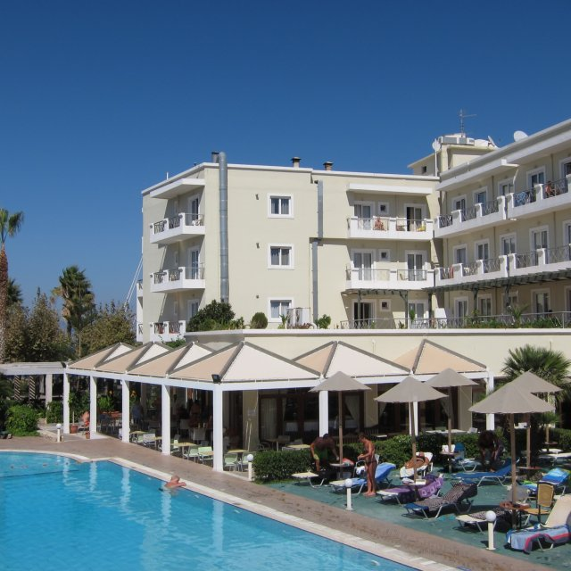 Aparthotel KOS JUNIOR SUITES ****