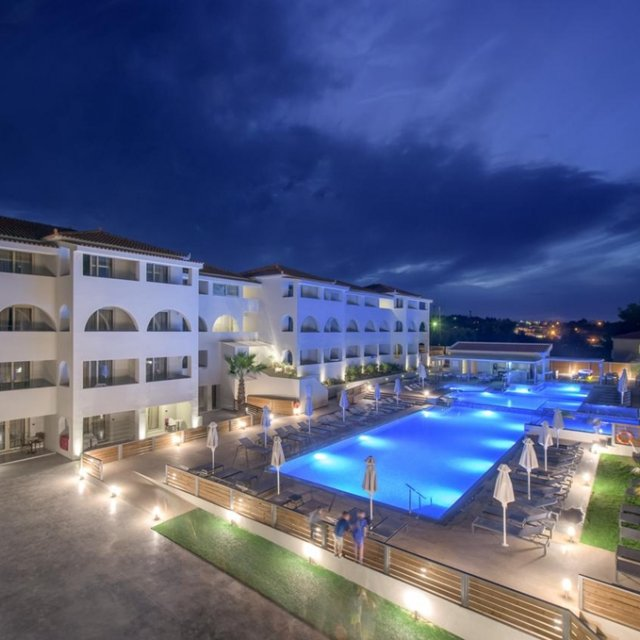 Hotel AZURE RESORT & SPA *****
